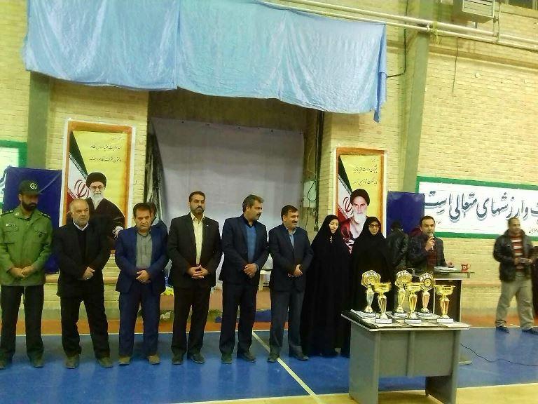 برگزاري مراسم اختتاميه مسابقات جام فجر با حضور فرماندار سرايان